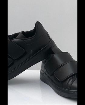 حذاء رياضي - لون أسود