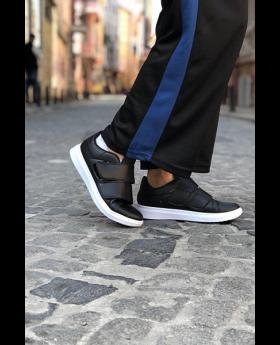 حذاء رياضي - لون أسود وأبيض