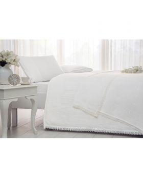 طقم غطاء سرير بنقشة زخرفية مميزة ماركة TAC
