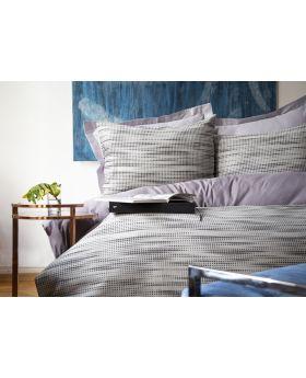 """طقم غطاء سرير مصنوع من الجاكار والخيوط المصبوغة دبل """" قطعتين """" لون رمادي UMBRA"""